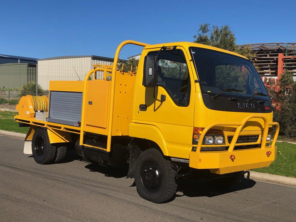 ISUZU-NPS0025-1-featured-vehicle
