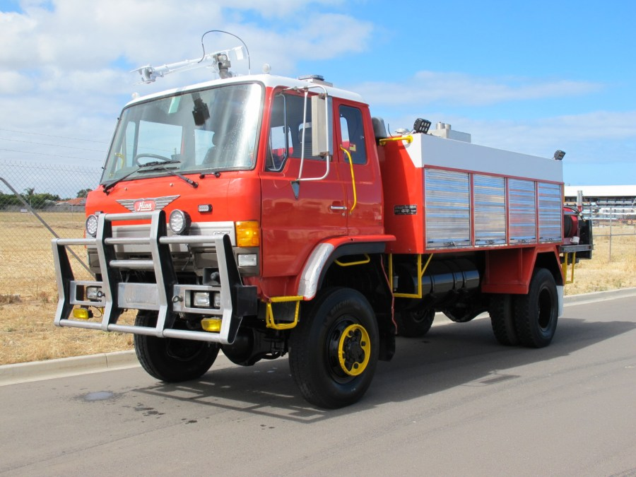 HINO 4x4 AVIATION 1