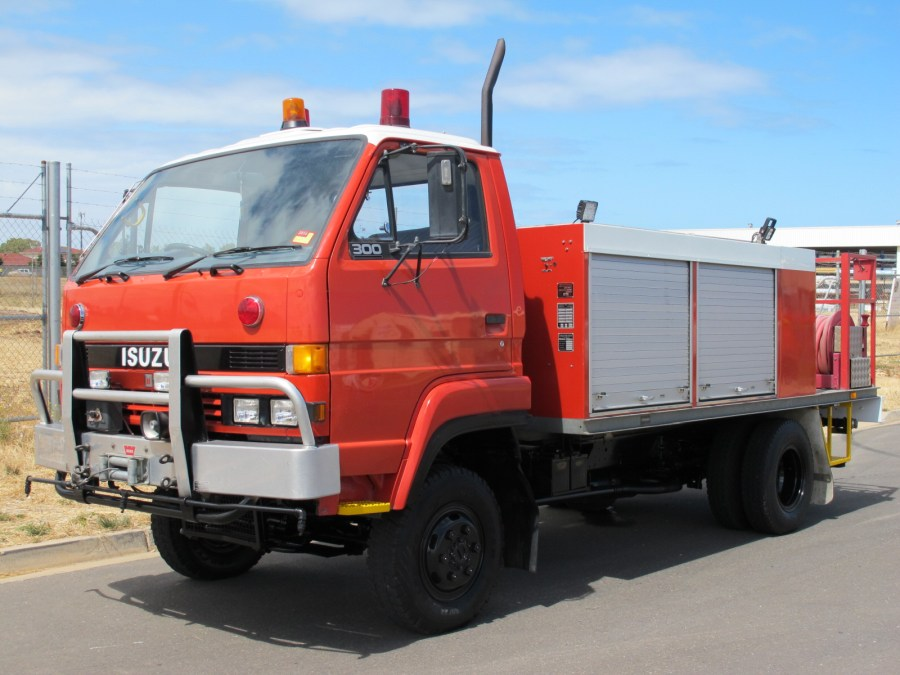 ISUZU 4x4 FIRE RESCUE 1