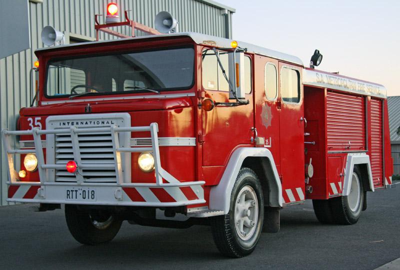 1971 International Acco Ex South Australian Metropolitan Fire Service